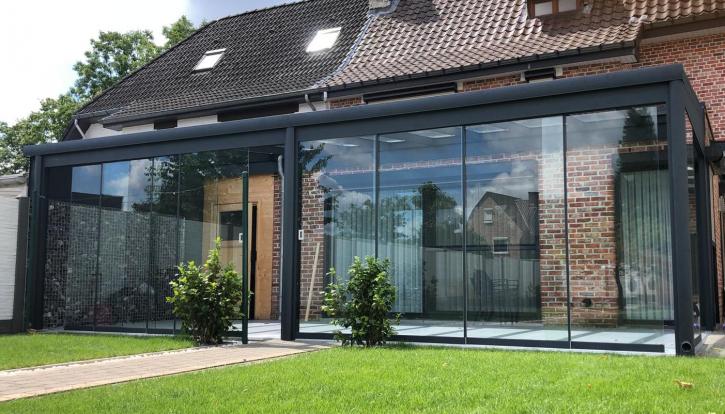 Flexidach Glasschiebewand mit einer Höhe von 2480mm Keine Türgriffe / Zugluftstopper / Zierstreifen / Keine U-Profile
